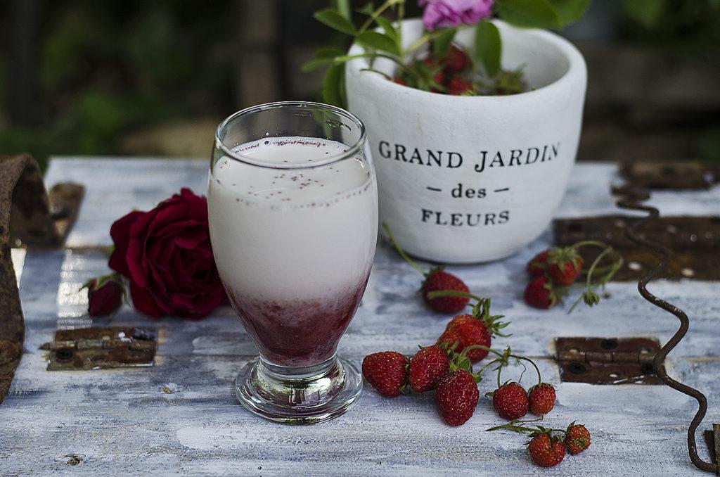 lapte cu nectar de capsuni