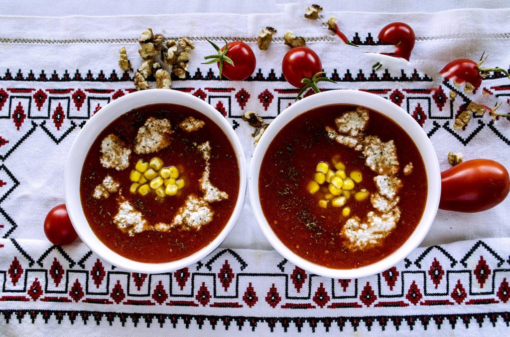 Supa de rosii cu crema de branza si crutoane