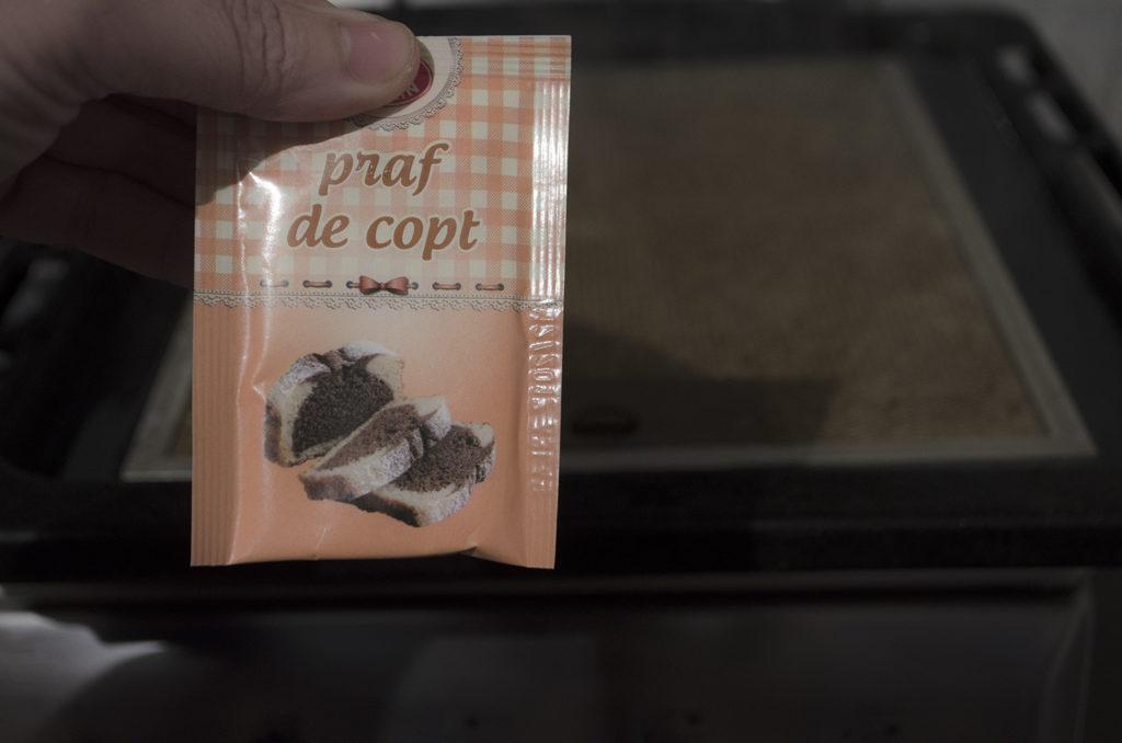 cum curățăm filtru hotă cu praf de copt